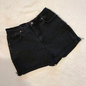 {Gloria Vanderbilt} High waist black cutoff shorts